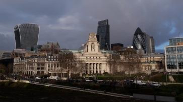 Gebäude gegenüber vom Tower