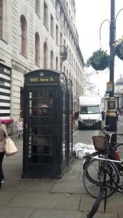 Telefonzellen ... nein .. hier gibt es WiFi!