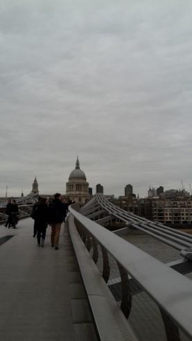 auf der Millenium Brücke