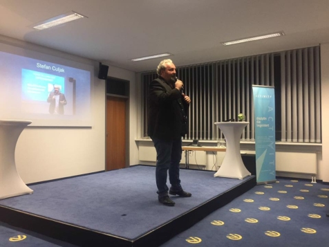Stefan Culjak hält eine bewegende Rede