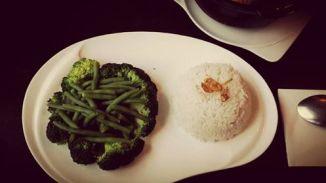Reis, Brokkoli und Bohnen