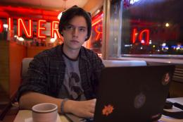 "©The CW - Cole Sprouse in ""Riverdale"""