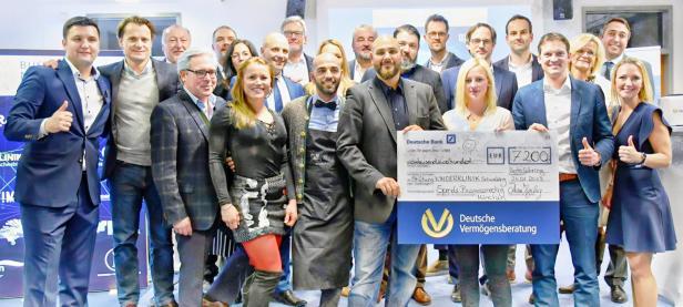 Spendenscheck an die Stiftung Kinderklinik Schwabing