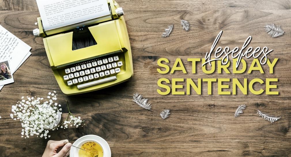 Passion of Arts, Gina Dieu Armstark. Auf dem Bild ist eine giftgrüne Schreibmaschine zu sehen, außerdem eine Teetasse mit Tee, Federn und der Schriftzug Lesefees Saturday Sentence